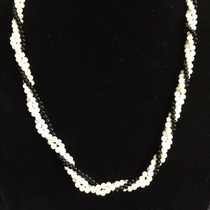 Jewelry - Vintage white Moonstone &Black Twist Necklace K008